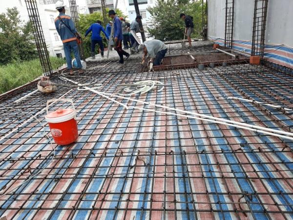 Quá trình gia công, lắp dựng cốt thép, đóng coffa và đổ bê tông sàn do Phố Việt thực hiện