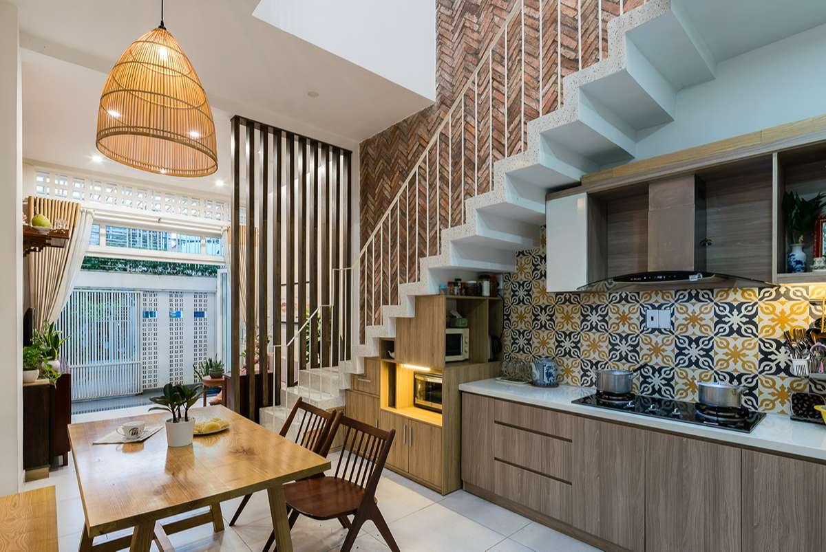 Không gian bếp rất ấm cúng của Giabinh.house.