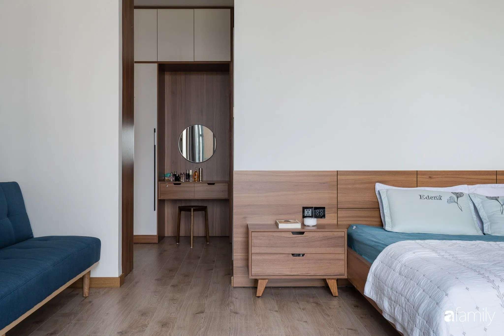 Mỗi căn phòng đều hướng tầm nhìn ra bên ngoài, thoải mái cảm nhận ánh sáng nhờ bước chuyển thời gian từ lam gỗ-2