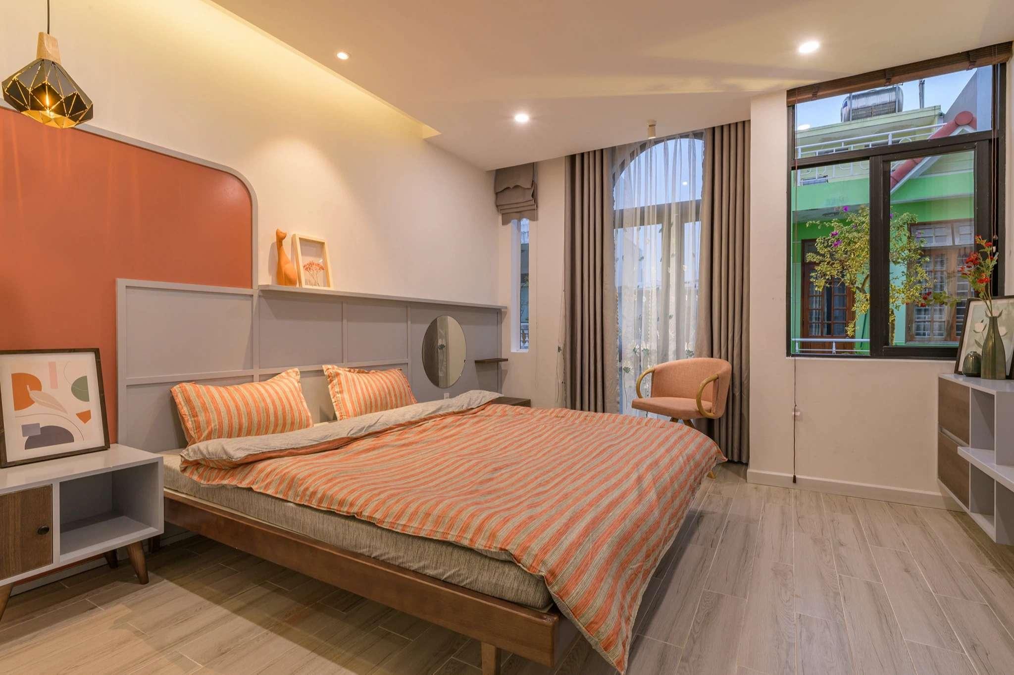 Phòng ngủ rộng rãi, đầy đủ công năng - 1