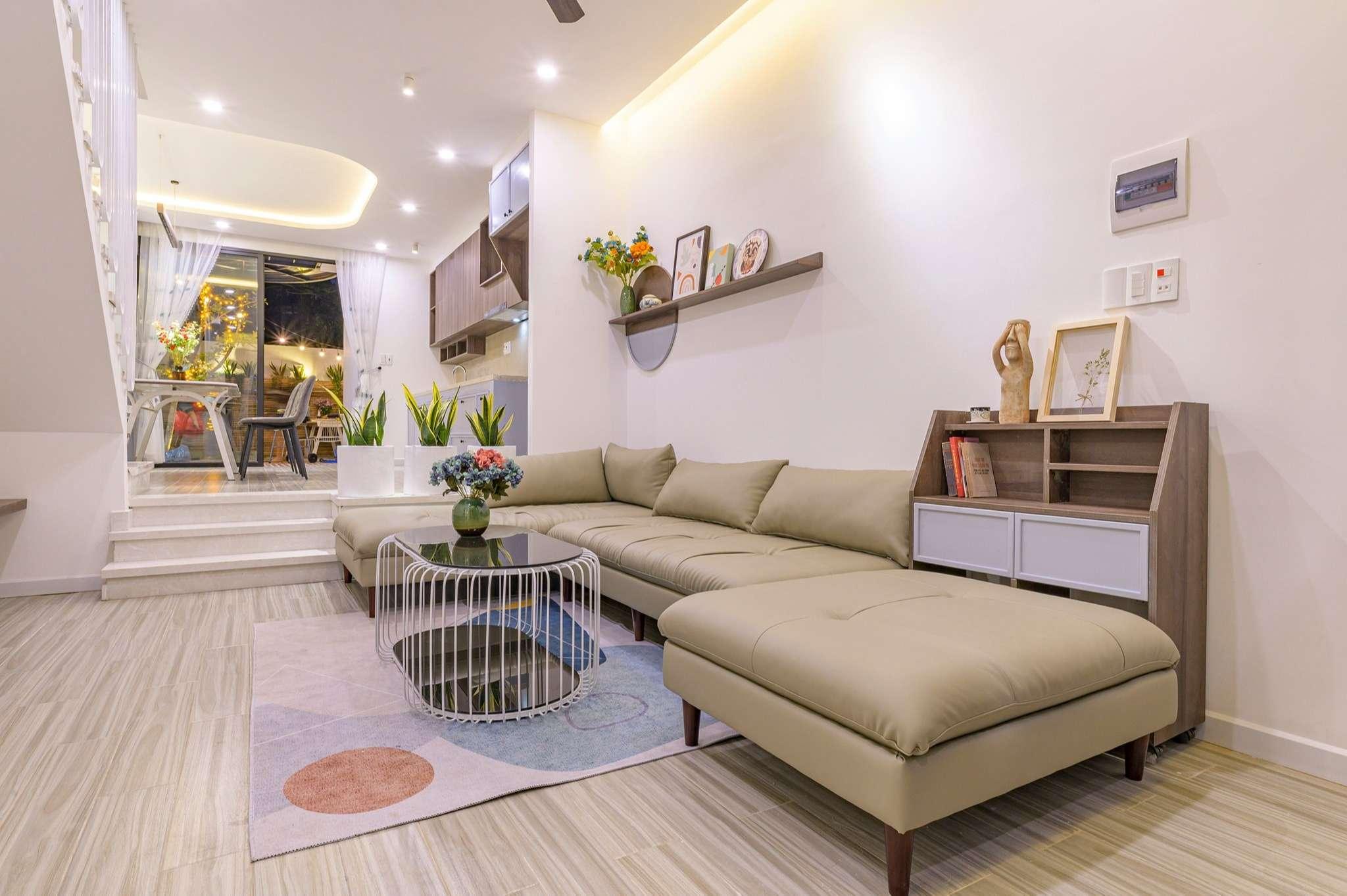 Phòng khách và bếp có cao độ khác nhau