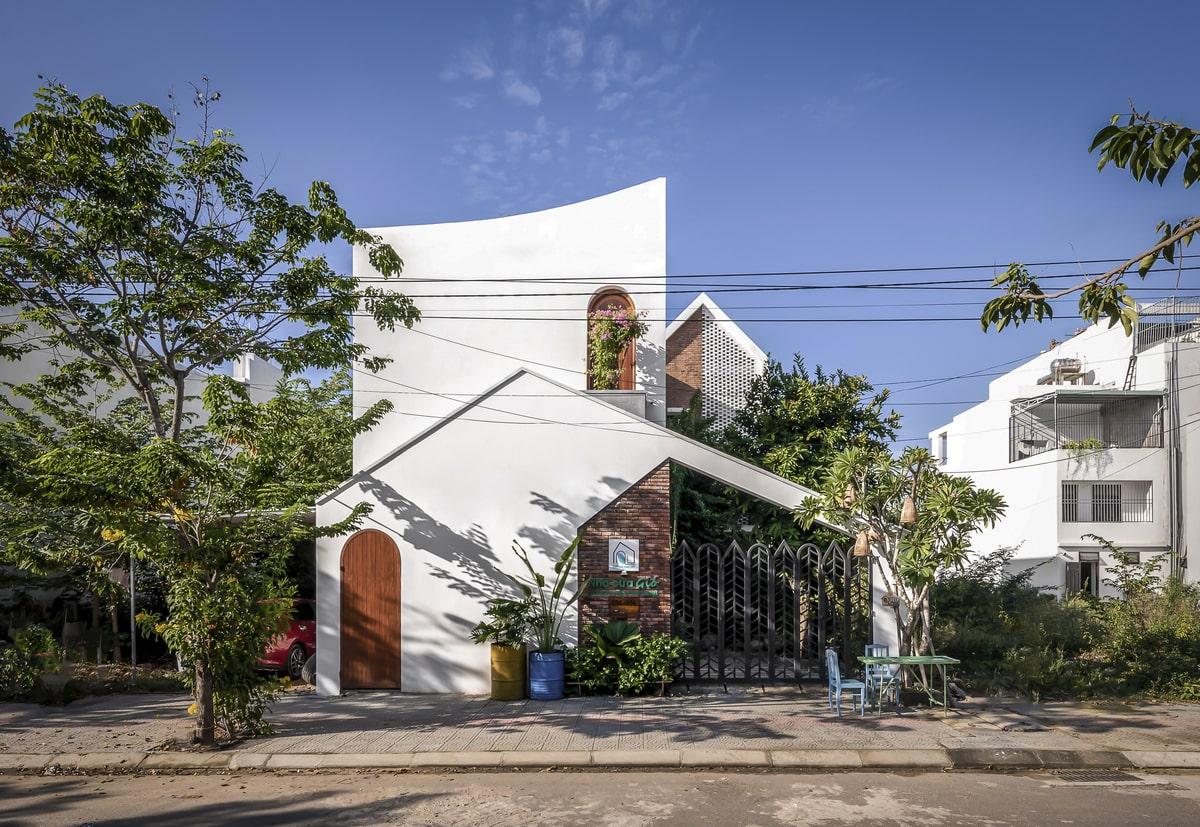 Bên ngoài Nhà Của Gióđượcthiết kế kiến trúc độc đáo.